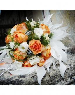 Bouquet of 25 roses: carrot and white | Carroty roses