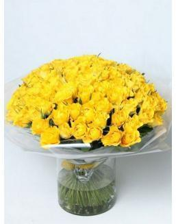 Bouquet of 101 yellow rose bushes | Roses to mother,to fiancee flowers