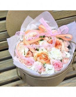 Цветы в костанае в коробке фото